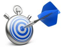 Marketingstrategiekonzept Pfeil, der die Mitte eines Ziels schlägt Lizenzfreie Stockfotos