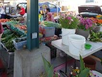Marketview del granjero el fin de semana Kansas Missouri imagenes de archivo