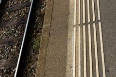 Markierung des Bahnhofsbahngleises weiße Blinde Lizenzfreies Stockfoto