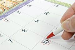 Markierung des Kalenders für Frist oder anderes Konzept Stockbilder