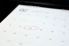 Markierung von Nr. 14 auf Kalender Stockbilder