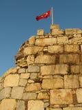 Markierungsfahne auf alter Festung stockfoto