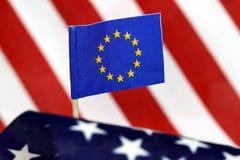 Markierungsfahne der Europäischer Gemeinschaft und der US Lizenzfreies Stockbild
