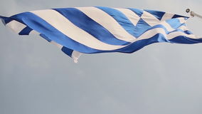 Markierungsfahne von Griechenland Langsame Bewegung stock video