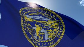 Markierungsfahne von Nebraska wellenartig bewegend in den Wind stock video