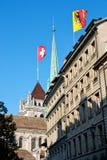 Markierungsfahnen über Genf Stockbilder