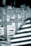 Markierungsfahnen und Kreuze Stockbild