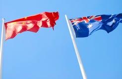 Markierungsfahnen von China und von Australien Stockfoto