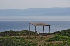 Markis på överkanten av San dominobricka, i de Tremiti öarna arkivbilder