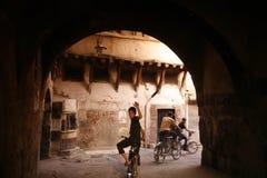 MARKNAD FÖR MELLANÖSTEN SYRIEN DAMASKUS GAMMAL STAD SOUQ Arkivfoto