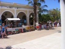 Marknad i Kuba på våren kubansk semesterort arkivfoto