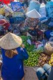 Marknad i morgonen Royaltyfria Bilder