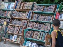 Marknaden av gamla böcker i havannacigarr arkivfoton