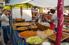 Marknaden på den Camden townen i London Fotografering för Bildbyråer