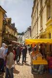 Marknadsdag, fransk by, Sarlat Frankrike Fotografering för Bildbyråer