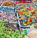 Marknadsför den färgrika bonbonen för den blandade godisen i jul Arkivbild