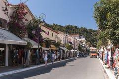 Marknadsföra gatan Katakolon, Grekland Arkivbild