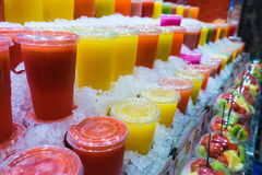 Marknadsfruktfruktsafter Fotografering för Bildbyråer