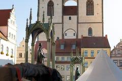Marknadsfyrkant av Wittenberg med monument på reformdag arkivbilder