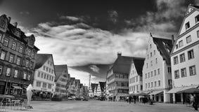 Marknadsfyrkant i Biberach en derRis-Tyskland arkivbild