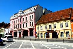 Marknadsfyrkant i Brasov (Kronstadt), Transilvania, Rumänien Arkivbilder