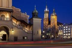 Marknadsfyrkant - Krakow - Polen Fotografering för Bildbyråer