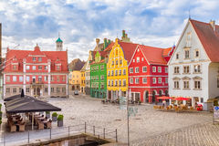 Marknadsfyrkant Marktplatz i Memmingen Royaltyfria Bilder