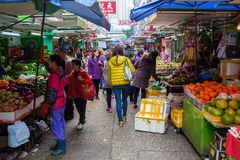 Marknadsgata i Kowloon, Hong Kong Arkivfoto