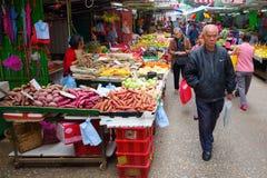 Marknadsgata i Kowloon, Hong Kong Royaltyfri Fotografi