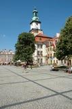 Marknadsplats i den Jelenia Gora staden Arkivfoto