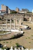 Marknadsplats nära akropolen av Aten, Grekland Arkivfoto