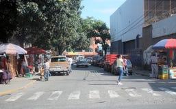 Marknadsställe i den Cumana staden royaltyfri foto