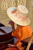 marknadsthailand för ayutthaya flottörhus kvinna arkivbild
