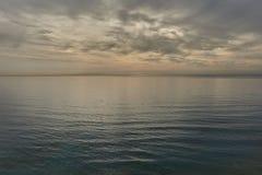 Markotny niebo nad morzem śródziemnomorskim w Dehesa De Campoamor Zdjęcia Royalty Free