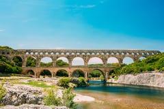 Markstein-alte alte doppelte Bögen Roman Aqueduct Of Ponts Lizenzfreies Stockbild