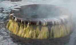 Markstein der Geysir-heißen Quellen an allgemeinem Park Raksawarin in Ranong, stockfotos