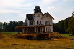 Markstein-viktorianisches Haus am neuen Standort stockbilder