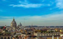 Marksteine und historische Ruinen in Rom, Italien lizenzfreies stockbild
