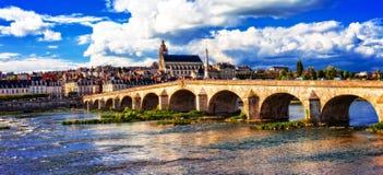 Marksteine und schöne Orte mittelalterlicher Blois Stadt Frankreichs herein Stockfotografie