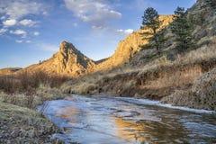 Marksteinfelsen und -fluß in Nord-Colorado Lizenzfreie Stockbilder