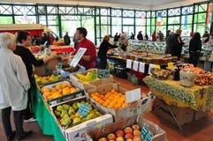 Markt des Wochenenden-Landwirts in Frankreich Stockfoto