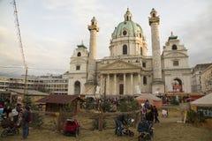Markt Karlskirche und des Weihnachten Lizenzfreie Stockbilder