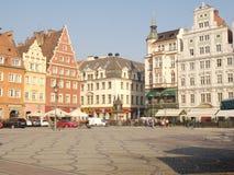 Markt-Quadrat im Wroclaw Überraschendes historisches Raum witn viele gemütlichen Standorte lizenzfreies stockfoto