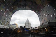 Markthal que constrói Rotterdam interior Fotografia de Stock Royalty Free