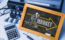 Marktkonzept auf Tafel Stockfotos