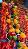 Marktkraam, Londen, het UK Verse groenten - peper, tomaten enz. Stock Afbeelding