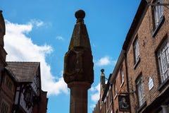 Marktkruis en de Rijen in Chester de stad van de provincie van Cheshire in Engeland royalty-vrije stock afbeeldingen