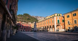Marktplatz Alberica in Carrara lizenzfreies stockbild
