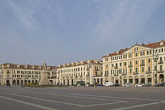 Marktplatz Galimberti in Cuneo Stockbilder
