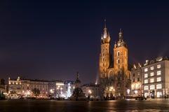 Marktplatz in Krakau nachts Lizenzfreies Stockfoto